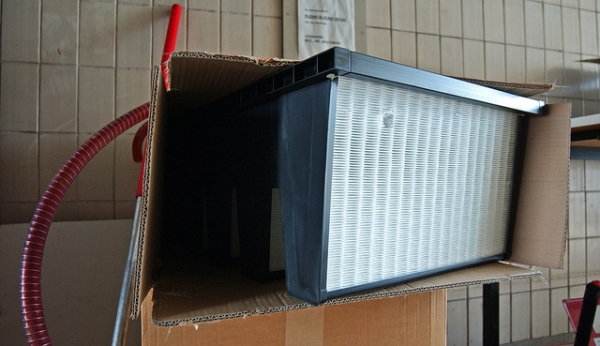 What You Must Know About Changing Your AC Unit's Air Filter